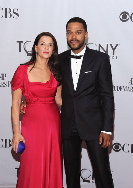 maxwell latino personals Singer maxwell is dating tv's maxwell & elisabeth rohm (law & order) i dont know anything about hip hop or r&b music or culture--is maxwell, black or latino.