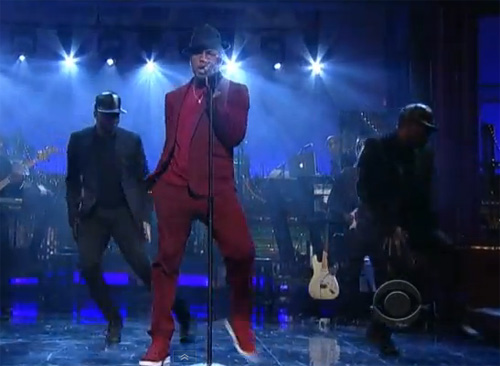 Ne-Yo continued his TV promo run Wednesday night, visiting the 'Late