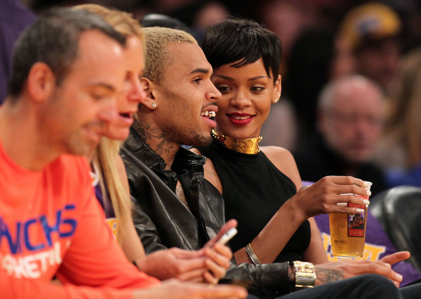 Rihanna+New+York+Knicks+v+Los+Angeles+Lakers+MJQEE12BvlCl