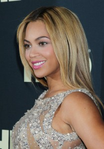 Beyonce Life Dream on Beyonc   Shines At    Life Is But A Dream    Premiere Beyonce Premiere