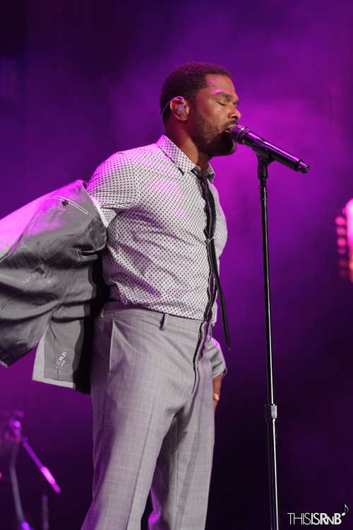 Maxwell Live Performance At Essence Festival 2013