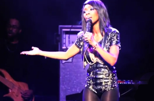 Brandy-Performs-in-London