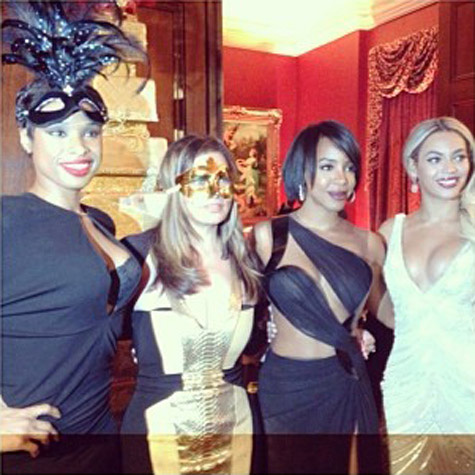tina-knowles-masquerade-ball-7