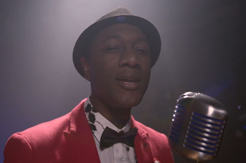 Aloe-Blacc-Performs-The-Man-for-Red-Bull