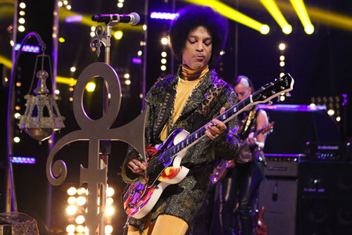 Prince-Performs-on-Arsenio-Hall