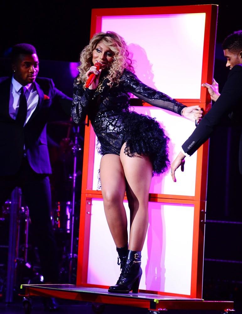 Tamar Braxton performing live
