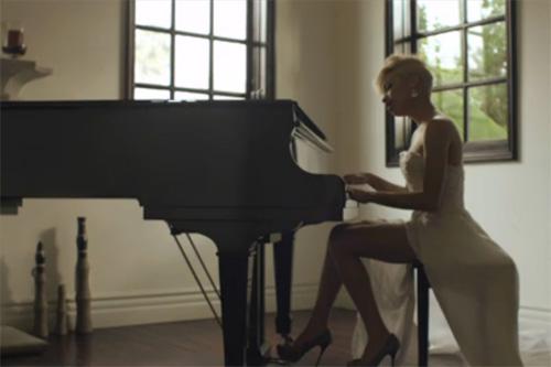Karina-Pasian-When-You're-In-Love