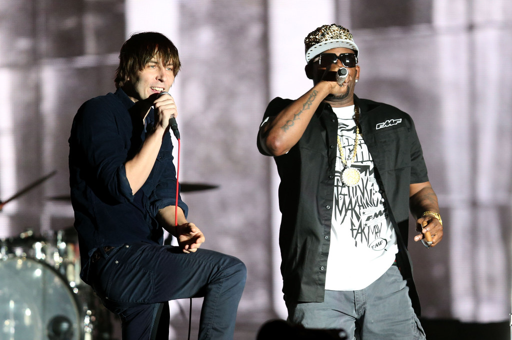 R+Kelly+2013+Coachella+Valley+Music+Arts+Festival+1UKdjGN9u2Kx