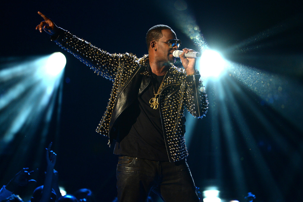 r kelly on bet awards melody of songs