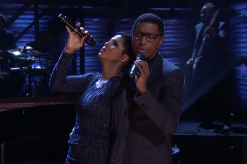 Toni-Braxton-&-Babyface-Perform-on-Conan
