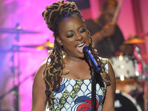 Ledisi_singing_1 Queen Latifah
