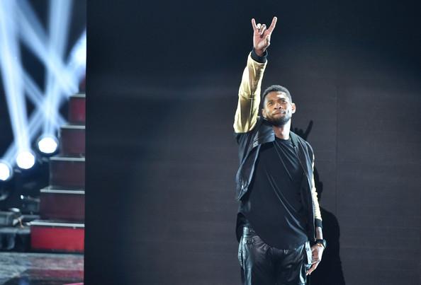 Usher+iHeartRadio+Music+Awards+Show+izFB7LBTid1l
