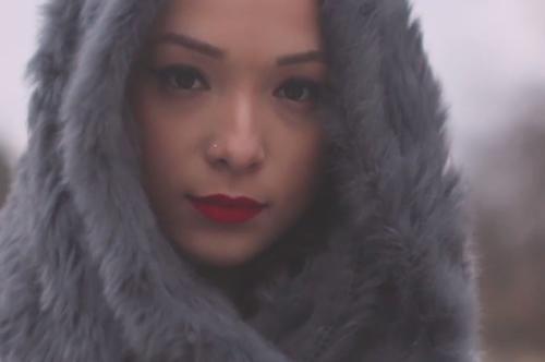 Ginette-Claudette-Jump-Video