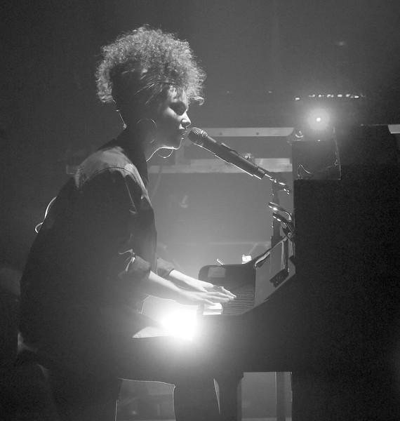 Alicia+Keys+Alicia+Keys+Concert+2016+Tribeca+hTiALGZMCnwl