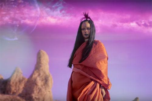 Rihanna-Sledgehammer-Vid