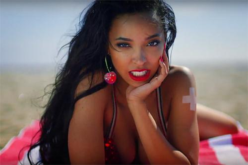 Tinashe-Superlove-Vid