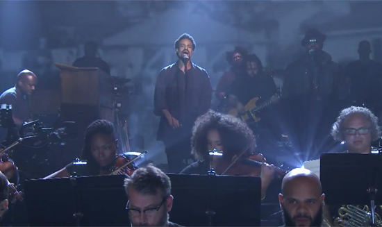Bilal-The-Roots-Tonight-Show